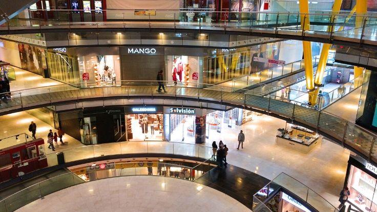 kiosk in mall